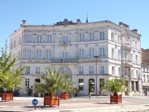 Place François 1er - Hôtel François Ier (13 août 2016)