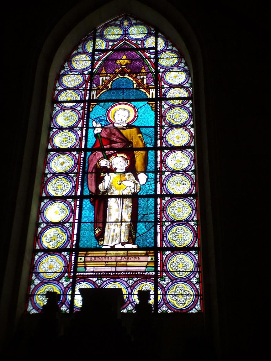 Juillac-le-Coq - L'église Saint-Martin - Le vitrail 'Saint Joseph' (18 septembre 2016)