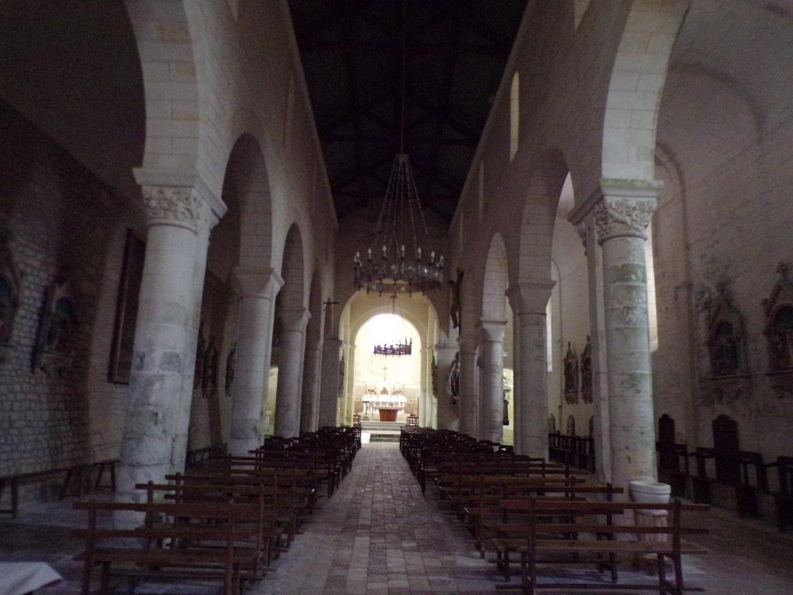 Juillac-le-Coq - L'église Saint-Martin - Vue de l'entrée (18 septembre 2016)