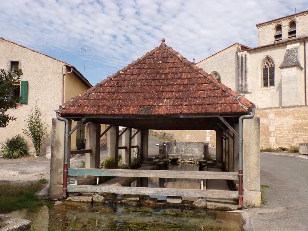 Saint-Laurent-de-Cognac - Le lavoir (12 septembre 2016)