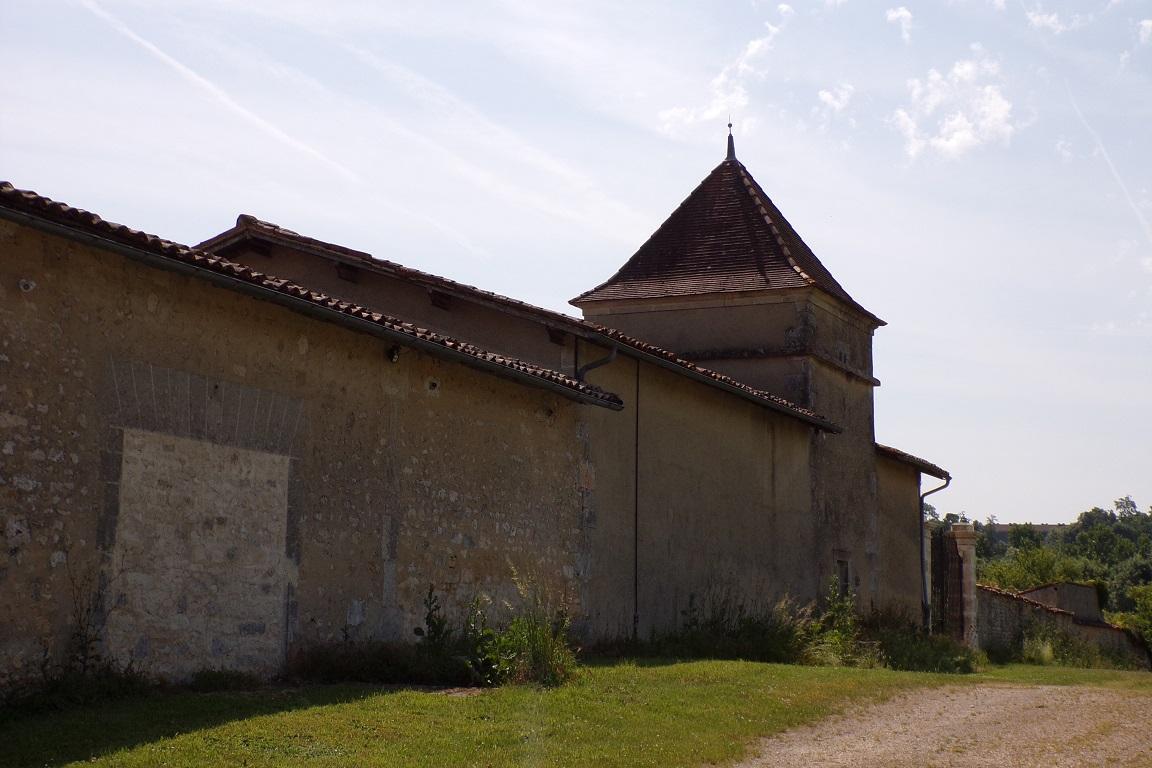Cherves-Richemont - Le logis de Boussac - Le pigeonnier (27 mai 2017)