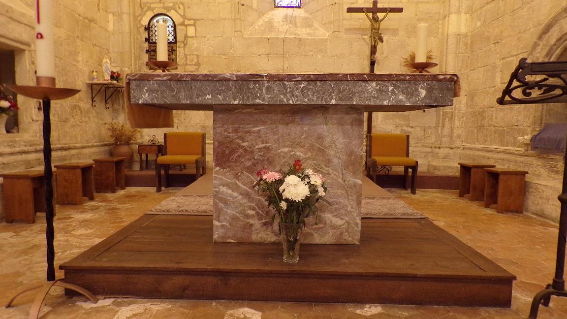 Nercillac - L'église Saint-Germain - L'autel (10 avril 2018)