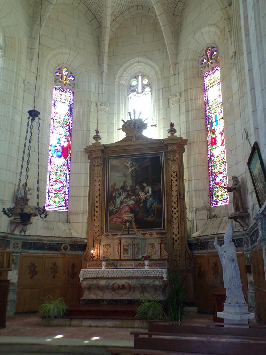 Lonzac - L'église Notre-Dame - L'autel (8 juillet 2018)