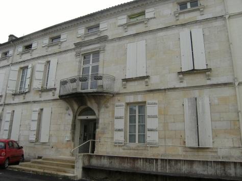 Maison, 4 place de l'Ancienne Halle (27 juillet 2015)