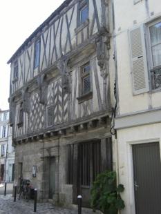 rue Grande - La maison de la Lieutenance (27 mars 2015)