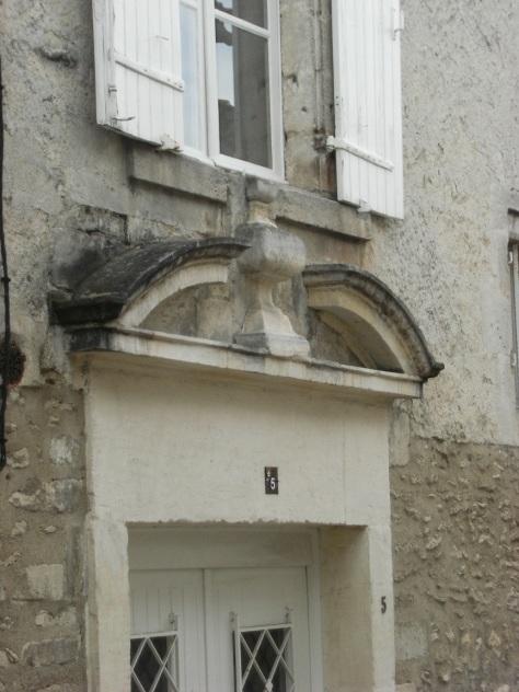 Porte du logis Gautier de la Prédasse - 5 rue Saulnier (27 mai 2016)