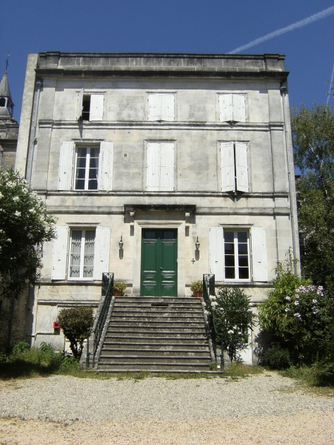 Presbytère dit Presbytère du Prieuré Saint Léger, 10 rue Mgr Lacroix (6 août 2015)