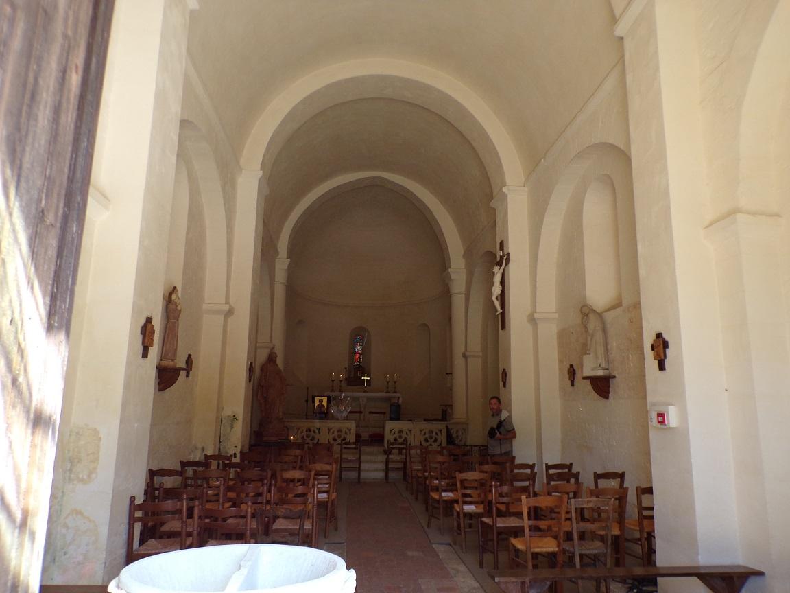 Cherves-Richemont - L'église Saint-Georges - Vue de l'entrée (3 septembre 2016)