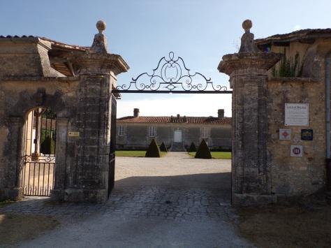 Cherves-Richemont - Le logis de Boussac - L'entrée (8 septembre 2016)