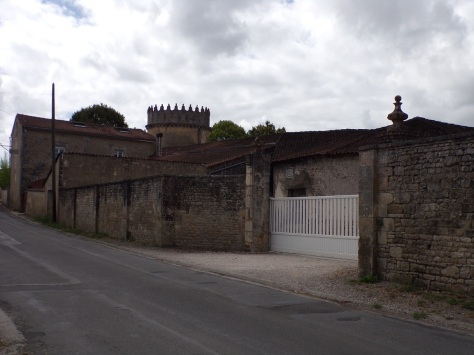 Triac-Lautrait - Le château de Triac (18 août 2016)