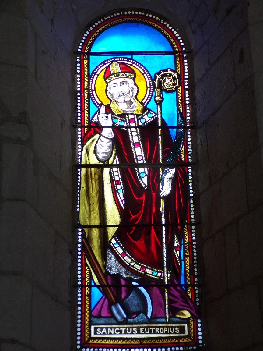 Thors - L'église Sainte-Madeleine - Le vitrail 'Saint Eutrope' (19 août 2019)