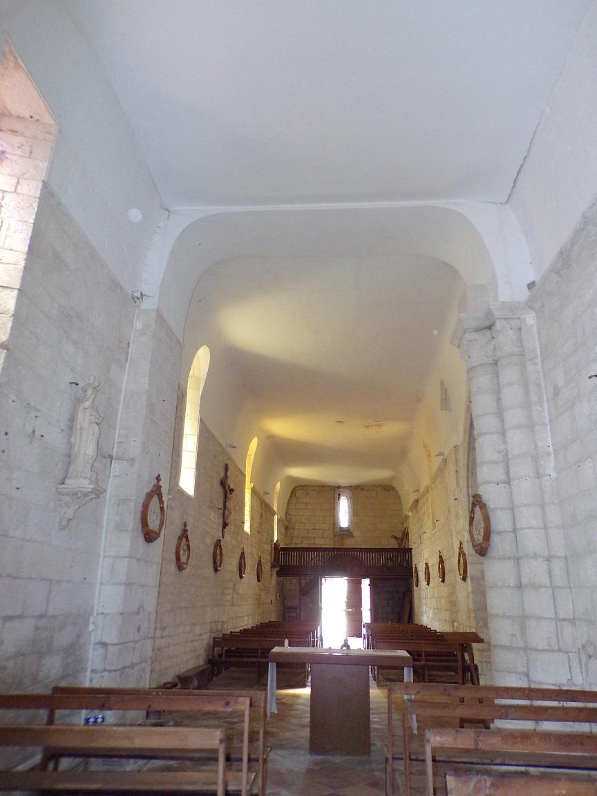 Thors - L'église Sainte-Madeleine - Vue de l'autel (19 août 2019)