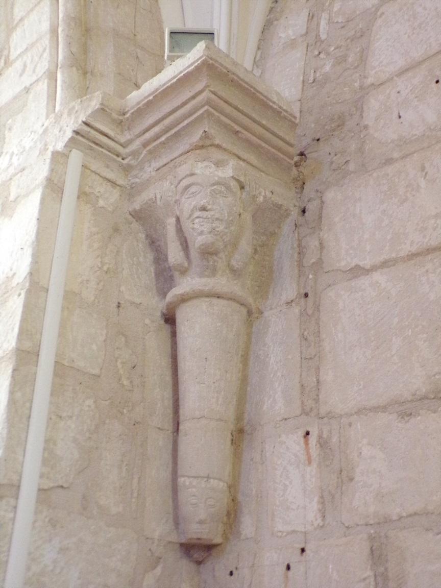 Thors - L'église Sainte-Madeleine - Un modillon (19 août 2019)