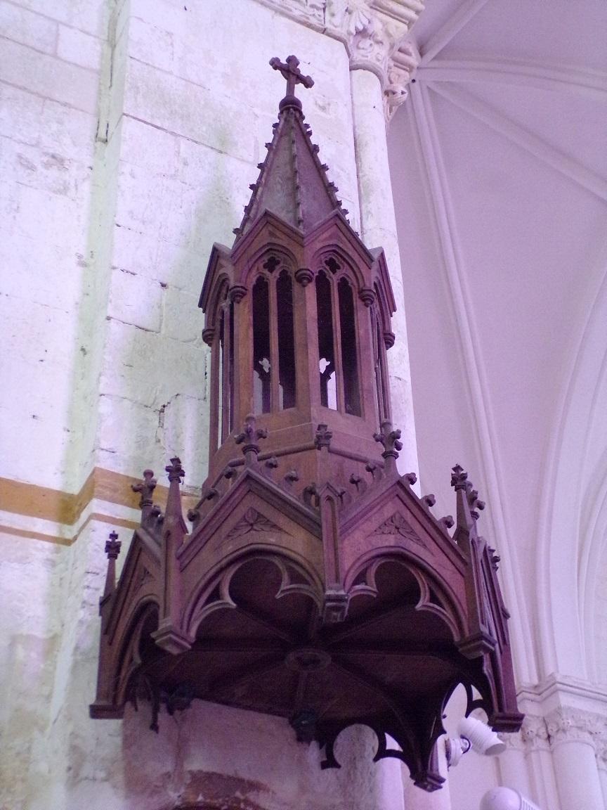 Pérignac - L'église Saint-Pierre - La chaire (21 août 2019)