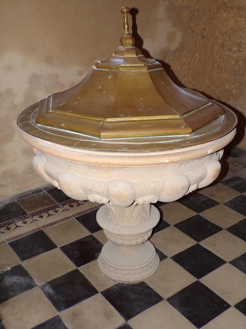 Angeac-Champagne - L'Eglise Saint-Vivien - Fonts Baptismaux (13 mai 2019)