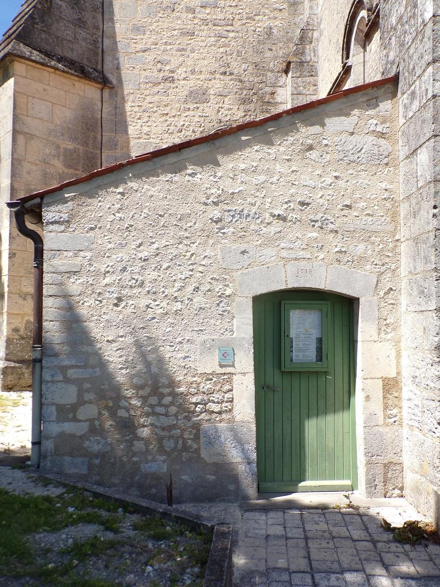 Angeac-Champagne – L'église Saint-Vivien - Date '1778' au-dessus d'une porte (13 mai 2019)