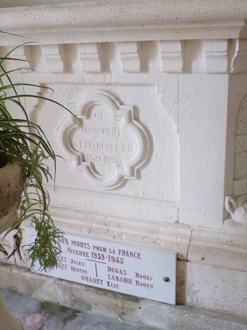 Bonneuil - L'église Saint-Pierre - 'Ce monument a été bénit le 11 septembre 1921' (16 juillet 2020)