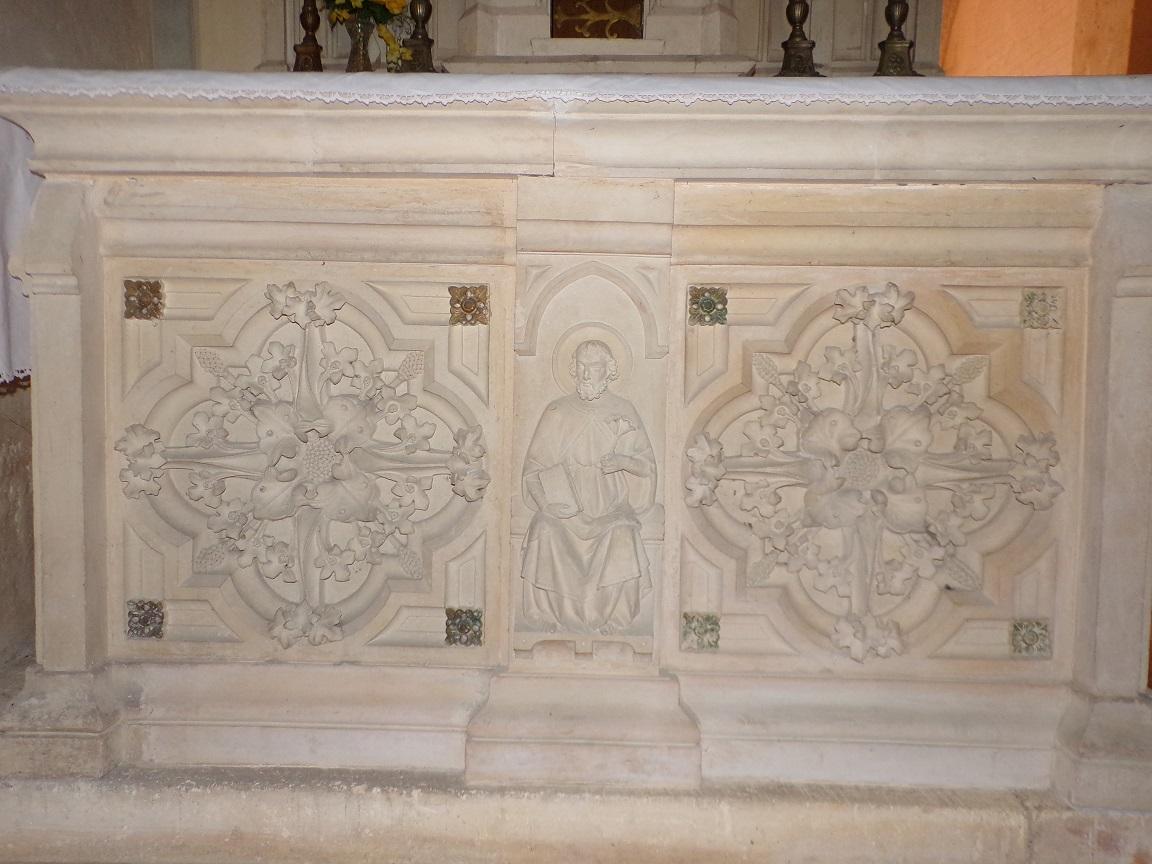 Chassors - L'église Saint-Romain - Détail sous Sainte Thérèse de Lisieux (15 septembre 2018)