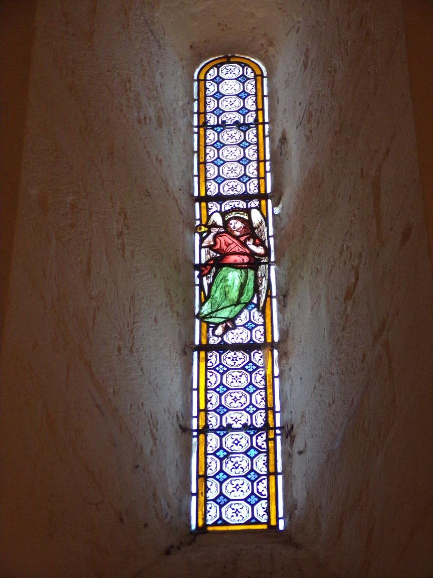 Chassors - L'église Saint-Romain - Un vitrail (15 septembre 2018)