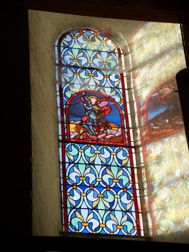 Cognac - L'église Saint-Martin - Le vitrail 'Archange Saint Michel' (19 janvier 2021)