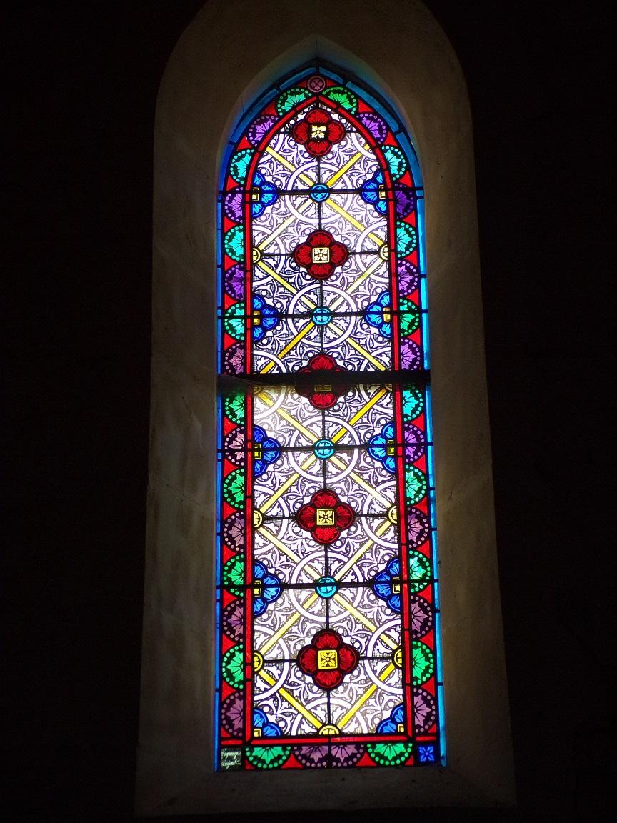 Coulonges - L'église Saint-Saturnin - Un vitrail (24 août 2019)