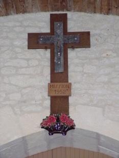 Coulonges - L'église Saint-Saturnin - La croix mission 1952 (24 août 2019)