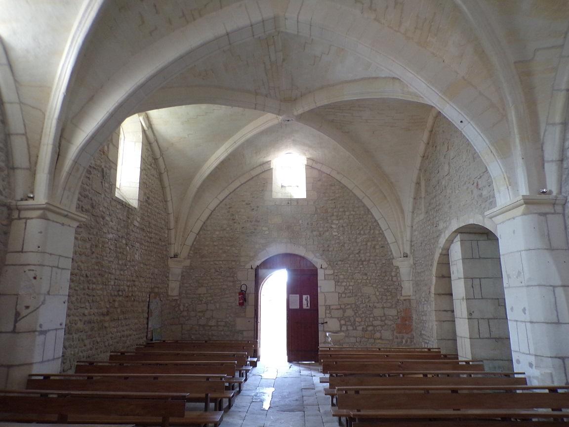 Dompierre-sur Charente - L'église Saint-Blaise - Vue de l'autel (8 juin 2018)
