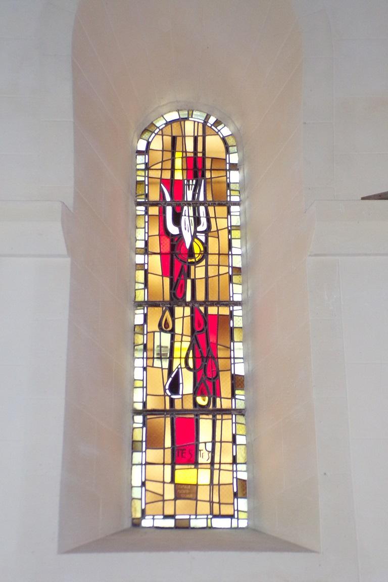 Saint-Sulpice de Cognac - L'église Saint Sulpice - Le vitrail 'TESTIS' (12 avril 2017)