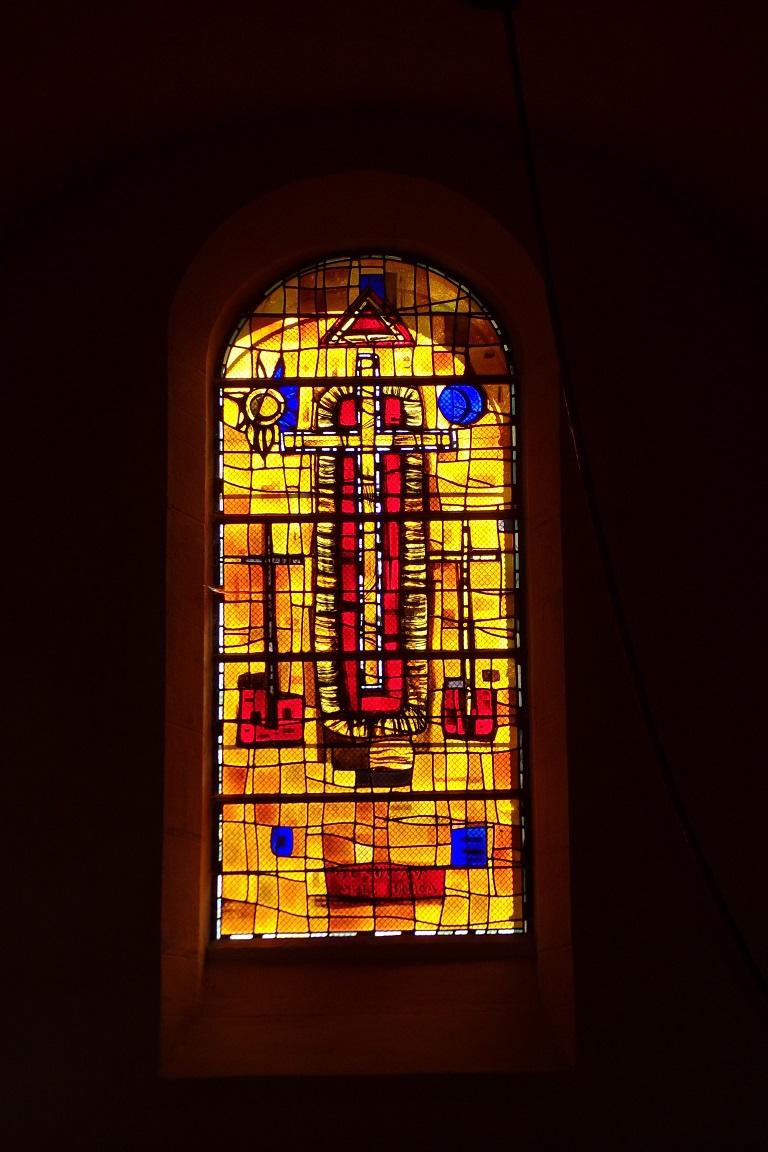 Saint-Sulpice de Cognac - L'église Saint Sulpice - Un vitrail (12 avril 2017)