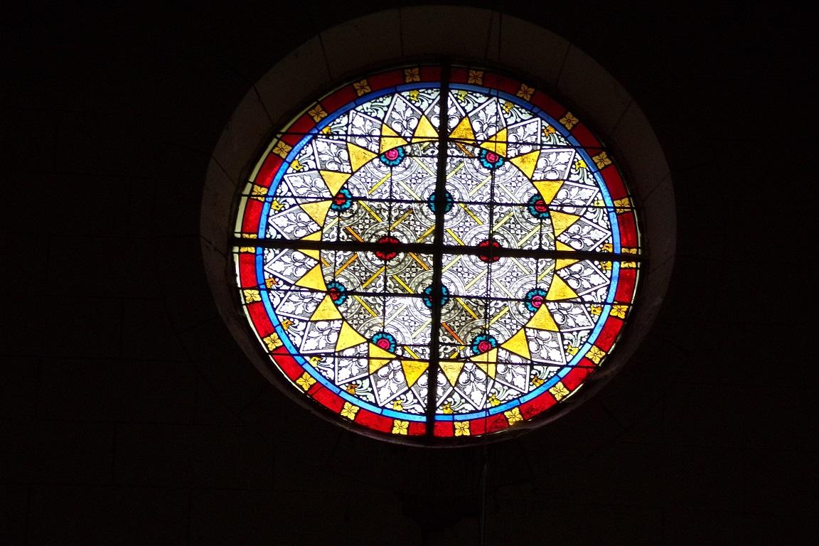 Bouteville - L'église Saint-Paul - Un vitrail (21 mars 2017)