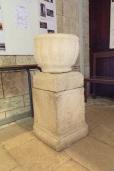 Mérignac - L'église Saint-Pierre - Un bénitier ou fonts baptismaux (10 juin 2017)