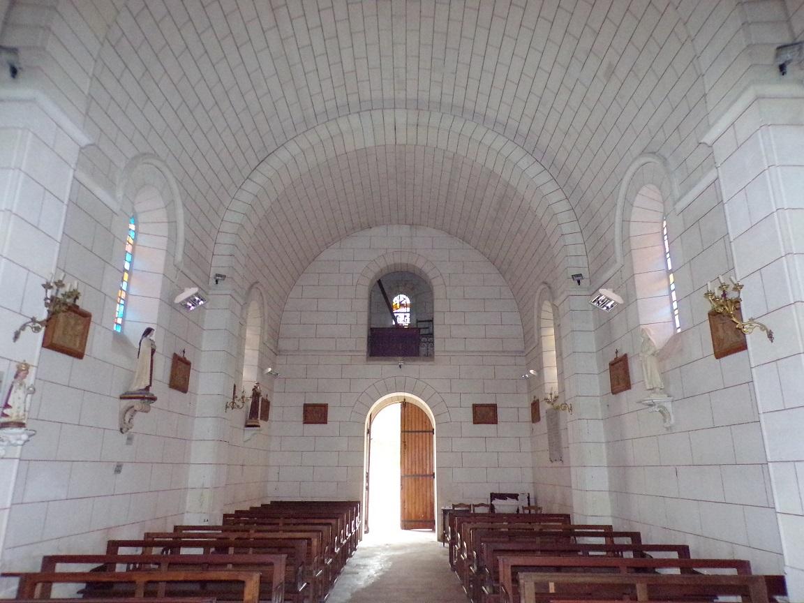 Gondeville - L'église Notre-Dame - Vue de l'autel (21 septembre 2019)