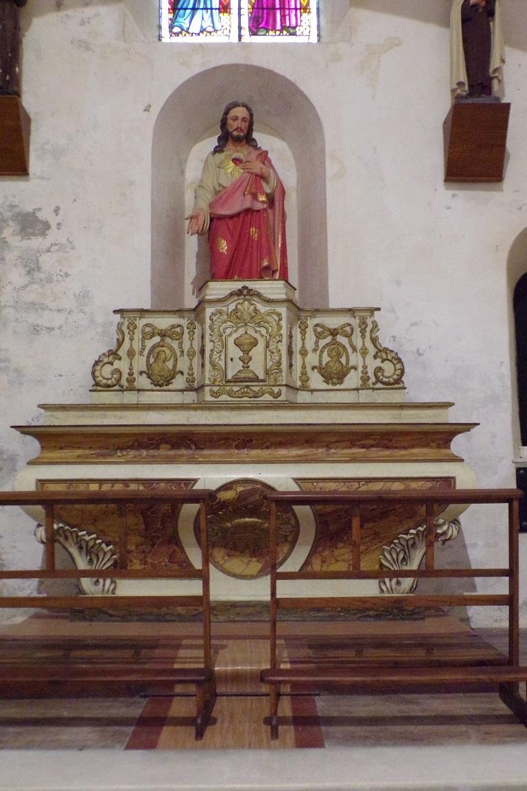 Sonnac - L'église Saint-Etienne - L'autel (2 janvier 2018)