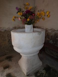 Ambleville - L'église Saint-Pierre - Les Fonts Baptimaux (21 septembre 2019)