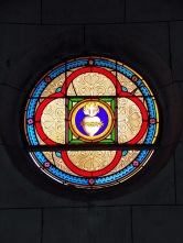Javrezac - L'église Saint-Pierre - Le vitrail de la chapelle de la Sainte Vierge (5 mars 2019)