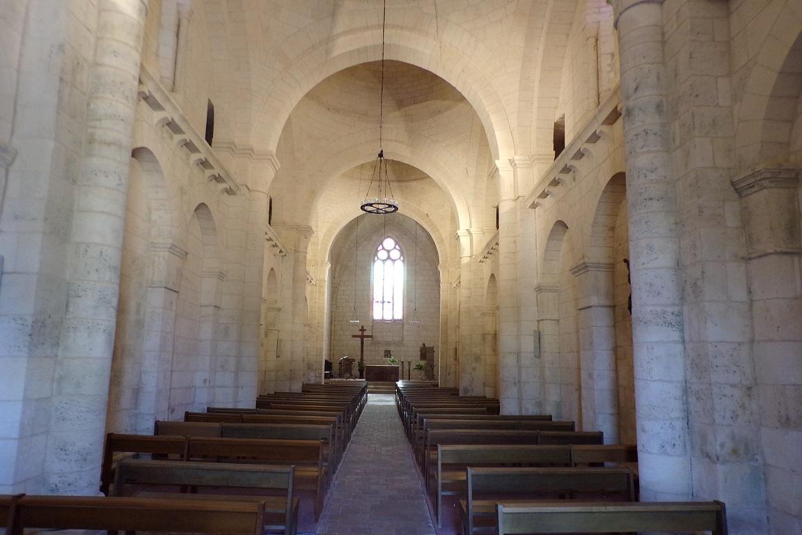 Gensac-la-Pallue – L'église Saint-Martin – Vue de l'entrée (8 mai 2017)