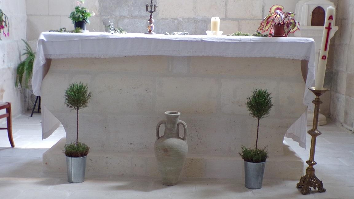 Gimeux - L'église Saint-Germain - L'autel (5 avril 2018)