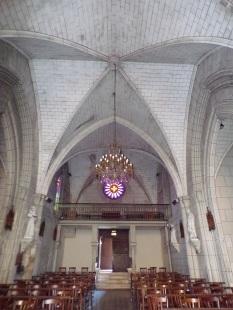 Javrezac - L'église Saint-Pierre - Vue de l'autel (5 mars 2019)