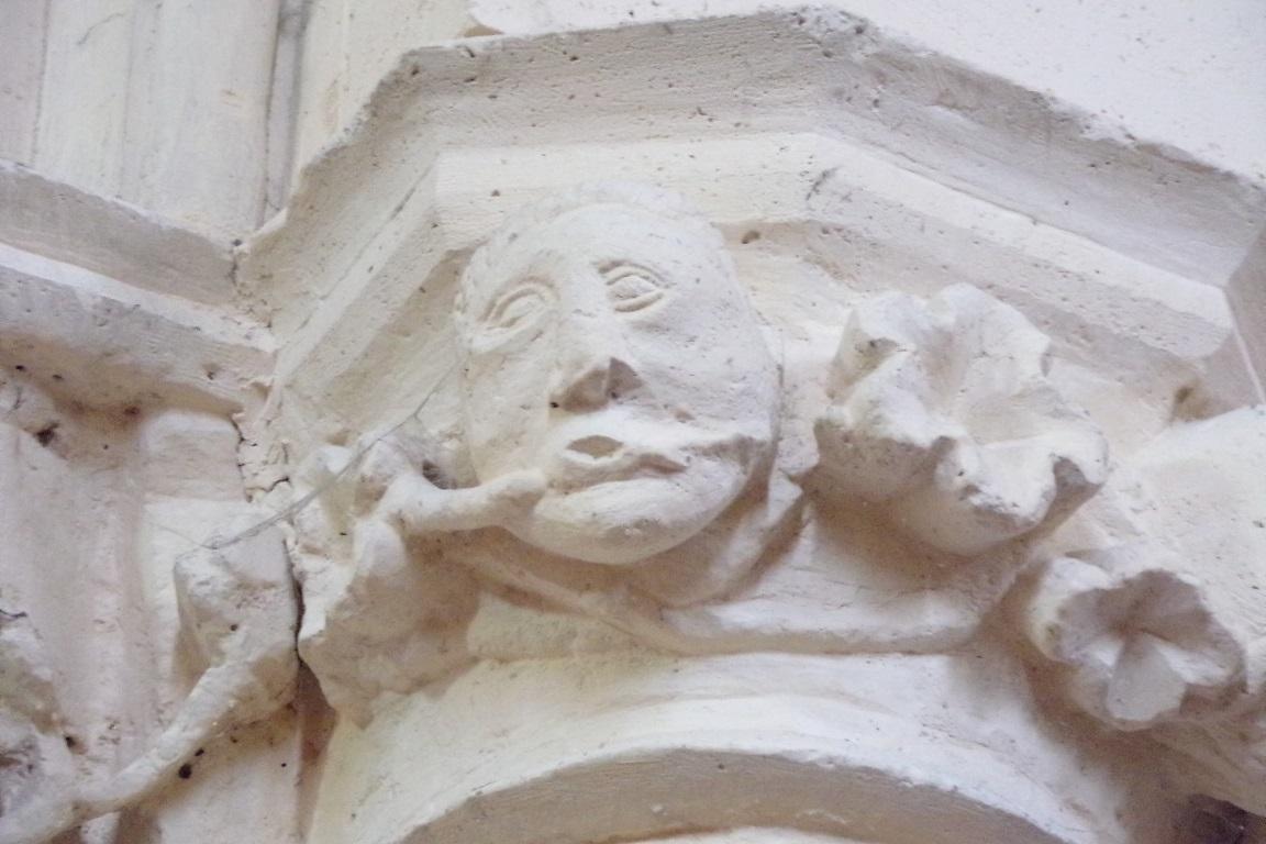 Lignières-Sonneville - L'église Notre-Dame - Un modillon (1 novembre 2017)