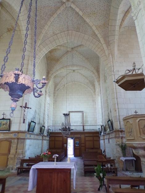 Lonzac - L'église Notre-Dame - Vue de l'autel (8 juillet 2018)