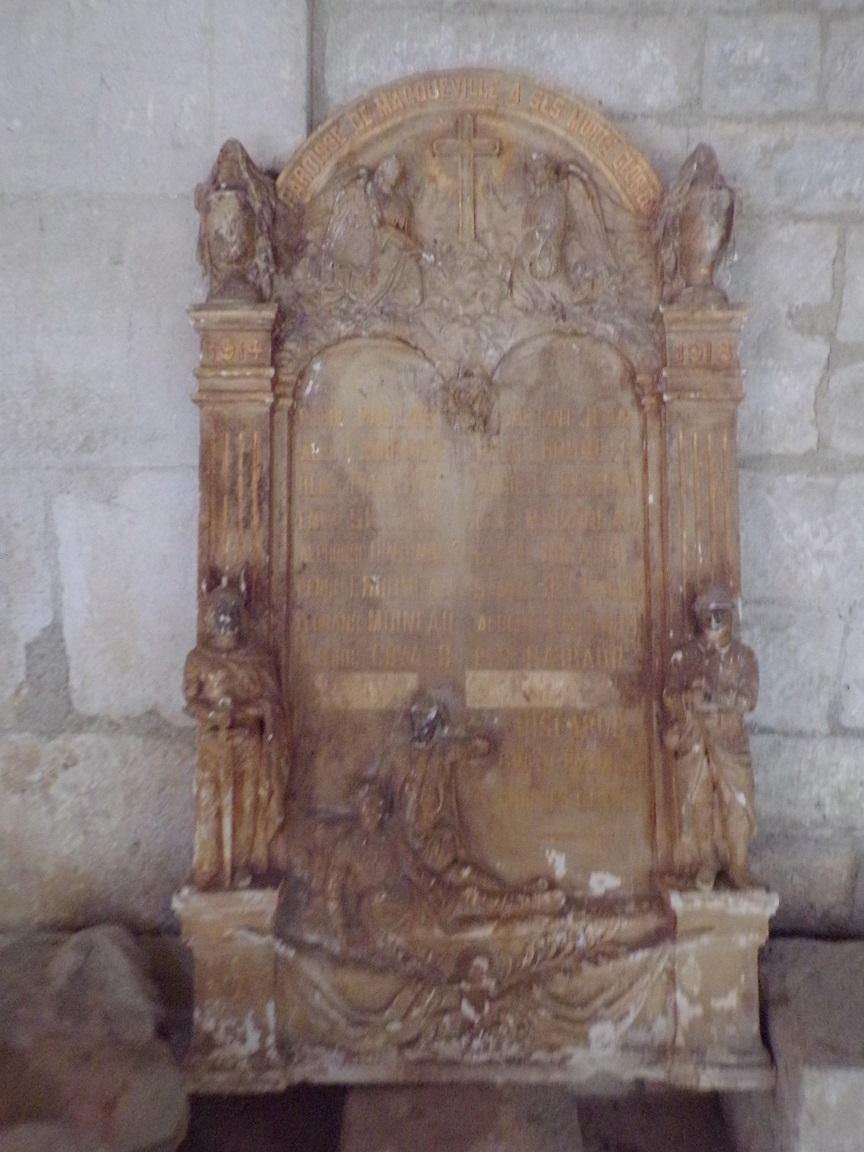 Macqueville - L'église Saint-Etienne - Plaque commémorative aux morts de 14-18 (19 juillet 2020)