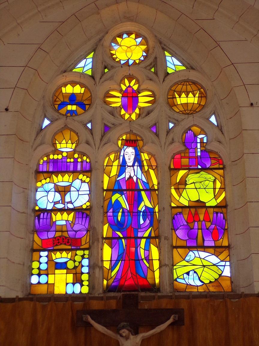 Mareuil - L'église Notre-Dame - Le vitrail de l'abside (21 août 2018)