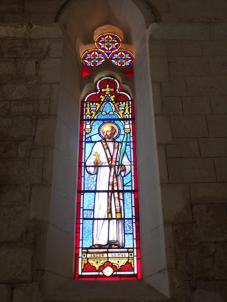 Mareuil - L'église Notre-Dame - Le vitrail 'Saint Alban' (21 août 2018)