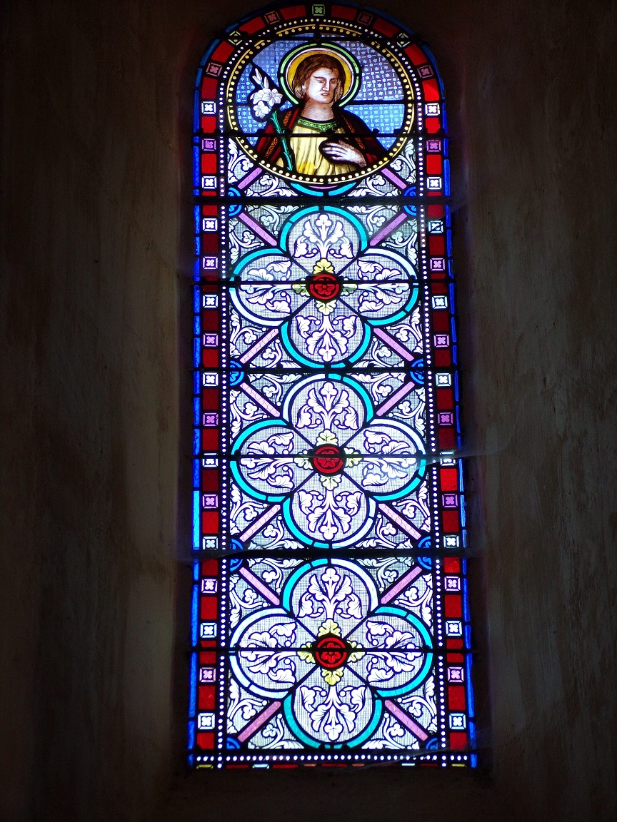 Mesnac - L'église Saint-Pierre - Un vitrail (16 septembre 2018)