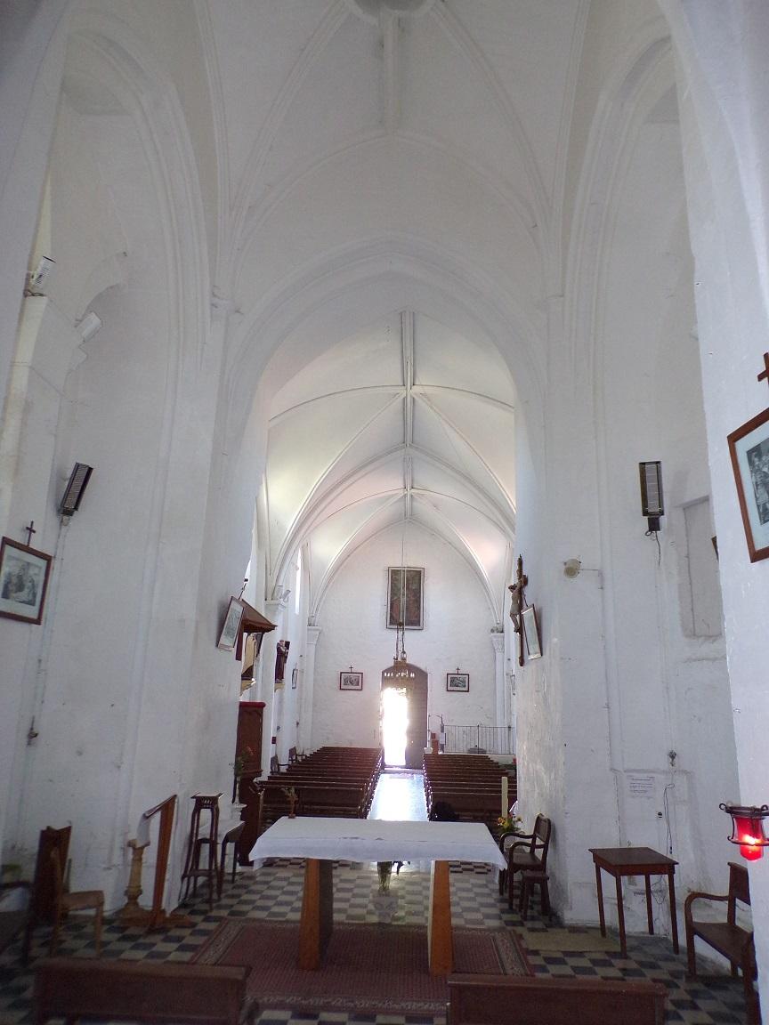 Montils - L'église Saint-Sulpice - Vue de l'autel (25 juin 2018)