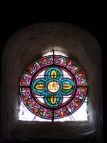 Neuvicq-le-Château - L'église Saint-Martin - Le vitrail 'IHS' (16 septembre 2018)