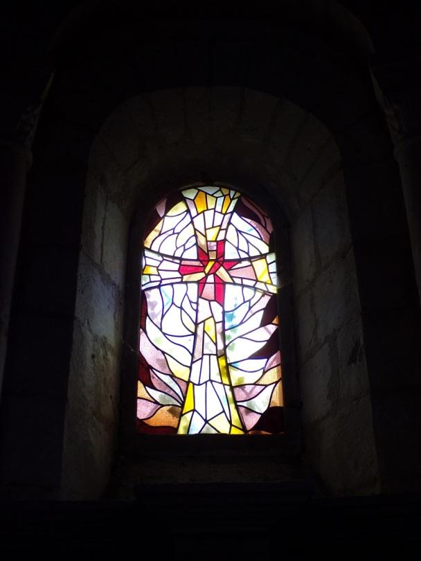 Rouffiac - L'église Saint-Vivien - Un vitrail (17 juillet 2018)
