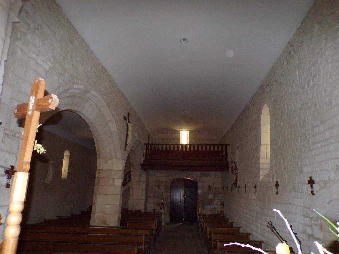 Saint-Martial sur le Né - L'église Saint-Martial - Vue de l'autel (17 juillet 2018)