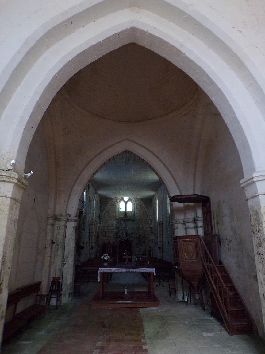 Saint-Preuil - L'église Saint-Projet - Vue de l'autel (20 juin 2018)