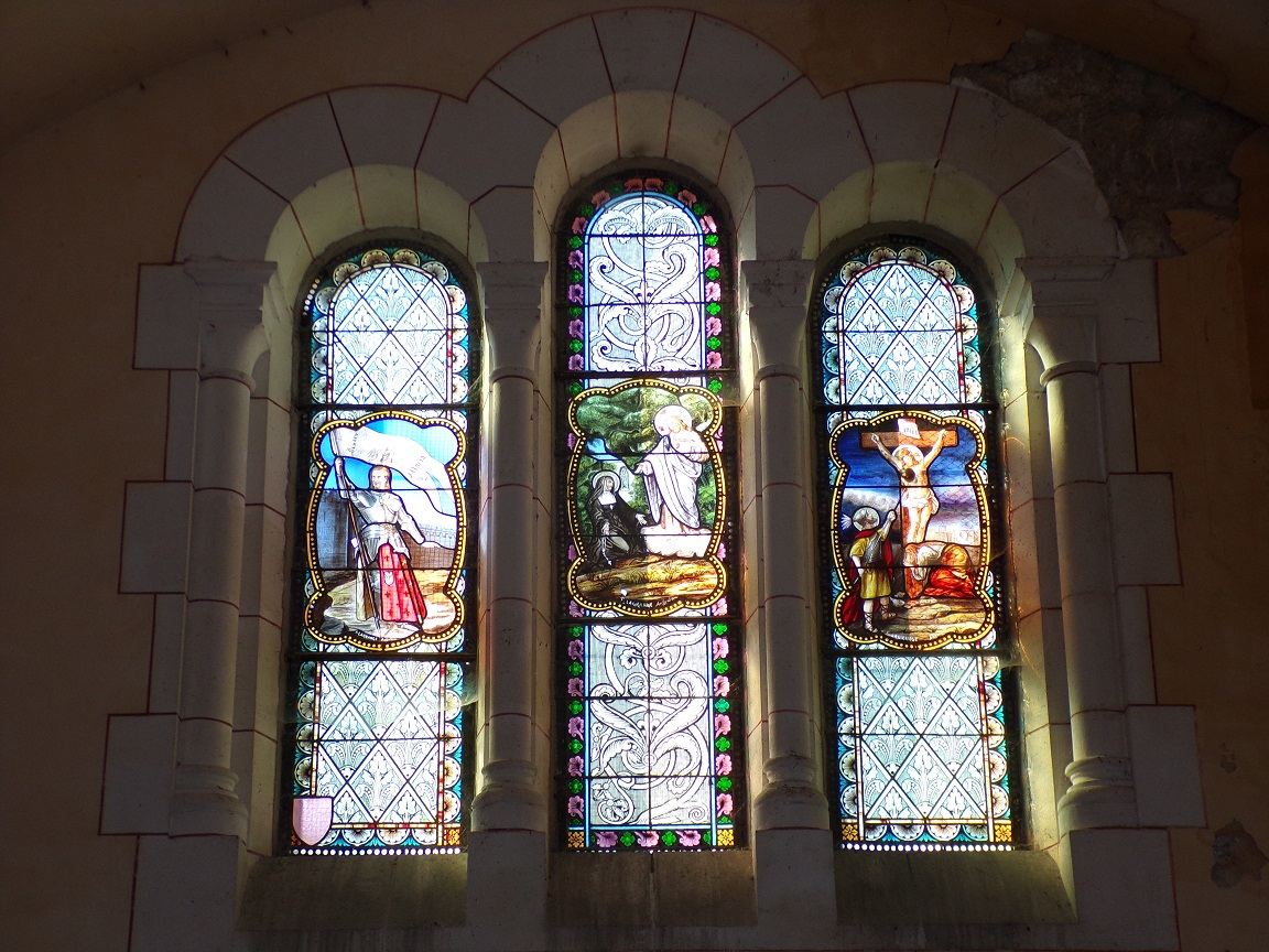 Sainte-Sévère - L'église Saint Augustin - Les vitraux 'F. Lagrange' (23 juillet 2018)